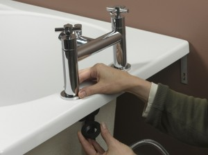 Positioning washers on tap tails