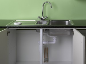 positioning kitchen sink in worktop