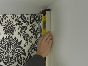 keeping wallpaper vertical