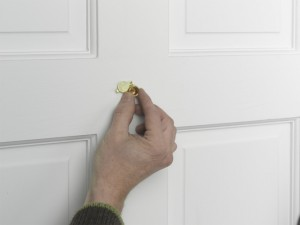 fitting door viewer