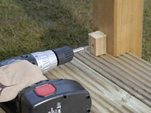 fitting cut section of decking baluster or spindle
