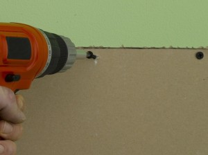 Fixing plasterboard with drywall screws