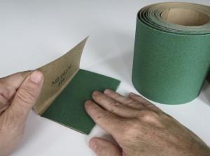 Folding sandpaper sheet