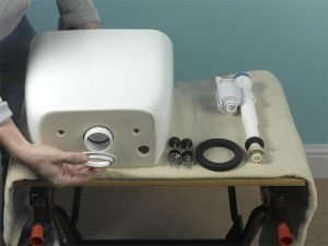 assembling toilet cistern