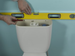 checking toilet cistern is level