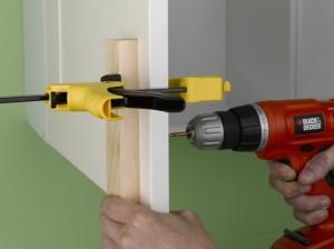 fitting kitchen door handles