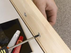 refitting kitchen drawer handle