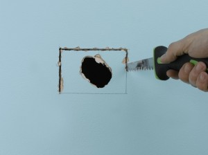 using drywall saw