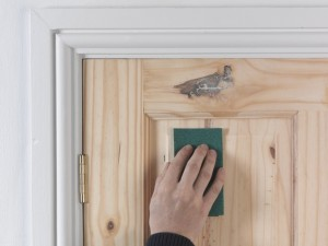 how to prepare wood for varnish
