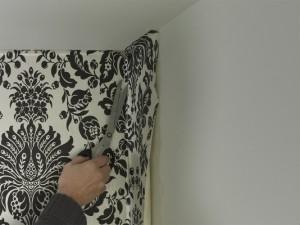 dealing with internal wallpaper corners