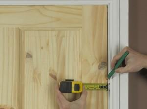 door edge gap