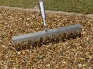 raking gravel level