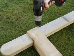 secure pergola rafter