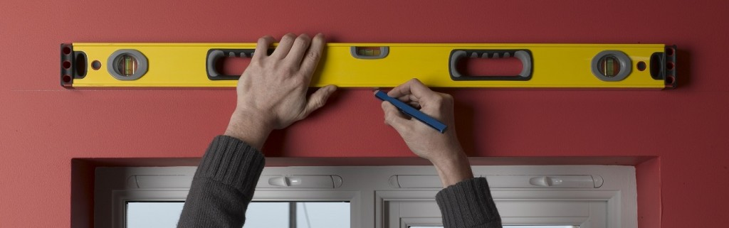 Drawing a level guideline for curtain pole