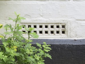 Blocking air brick